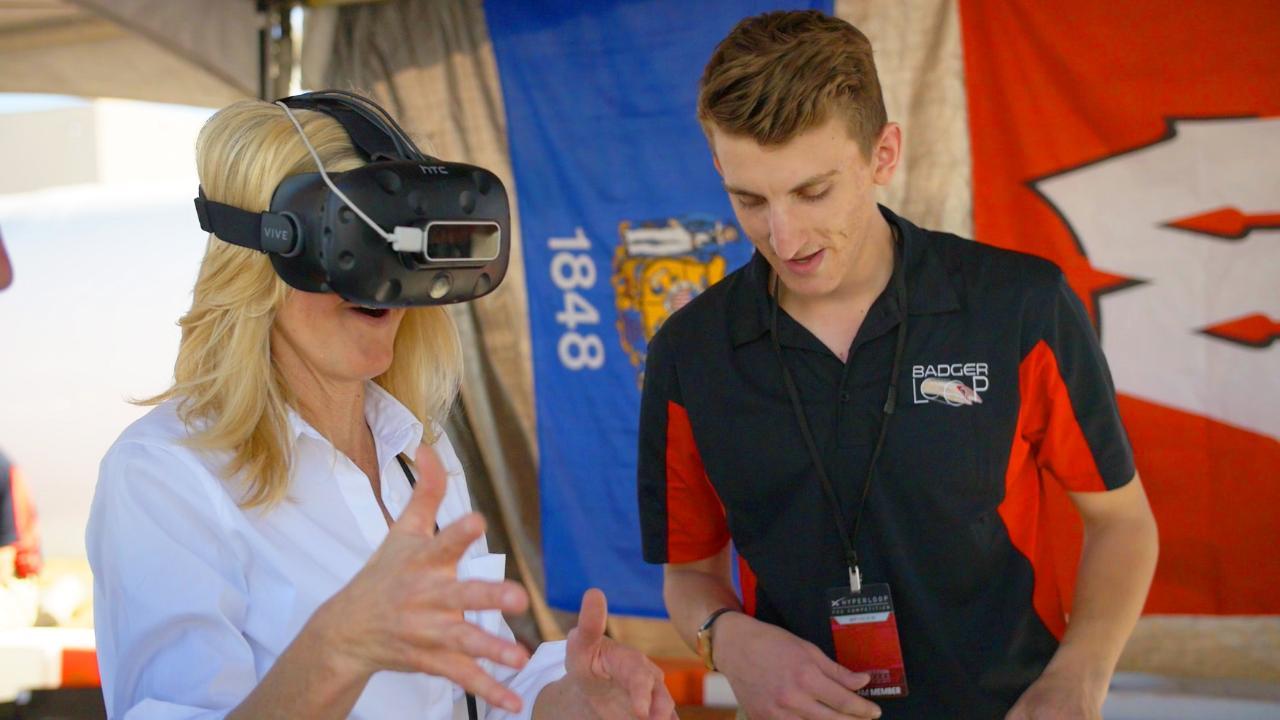 The Badgerloop team shows off its VR Hyperloop simulation.