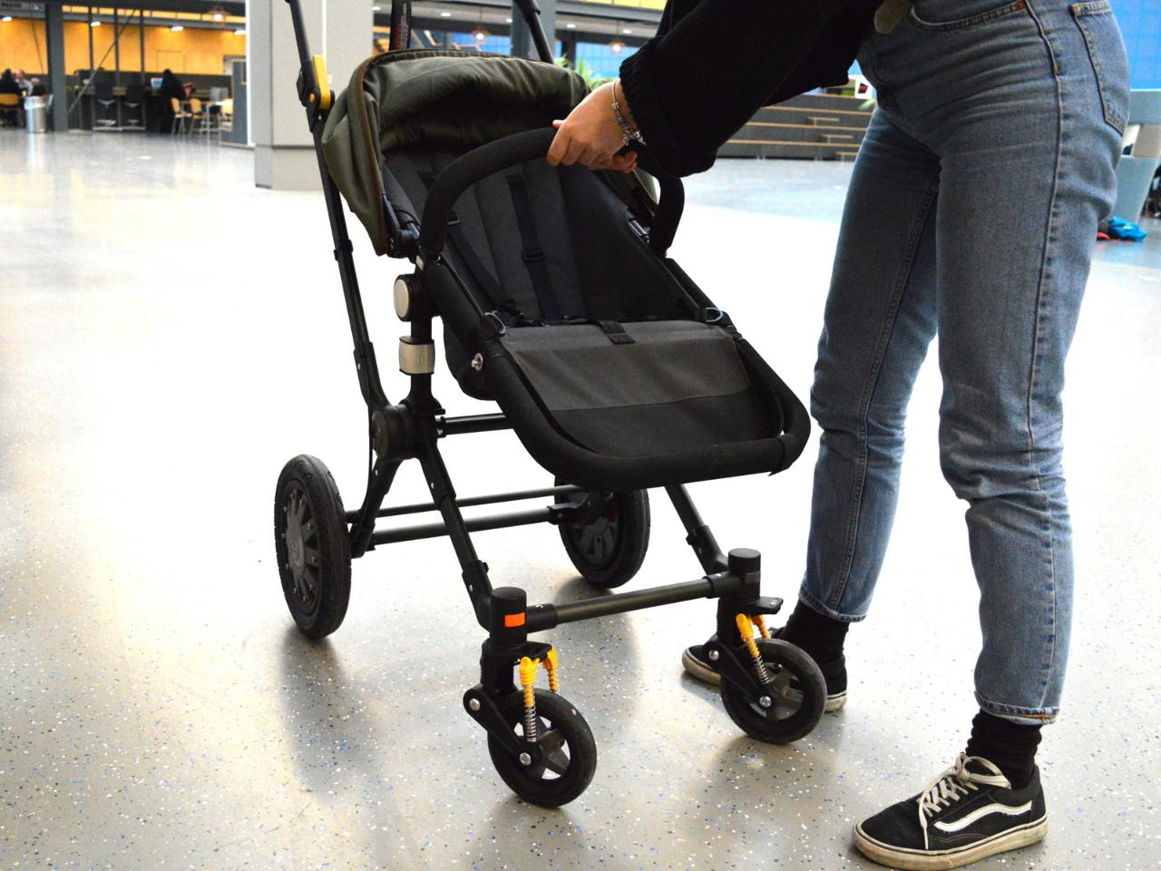 Students from the Delft University of Technology designed a 3D-printed swivel wheel lock for Bugaboo strollers.